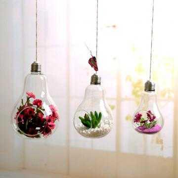 Závěsná baňka na květiny